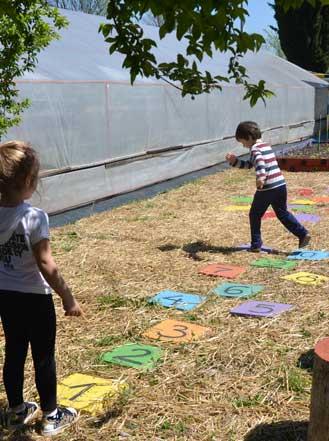 Детски център на открито снимк 1